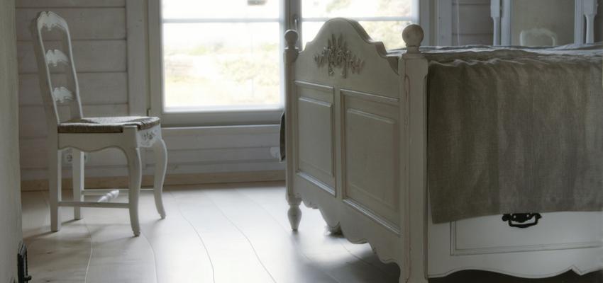 Dormitorio style rustico color marron, blanco  diseñado por PARQUÉ BOLEFLOOR   Marca colaboradora   Copyright Bolefloor