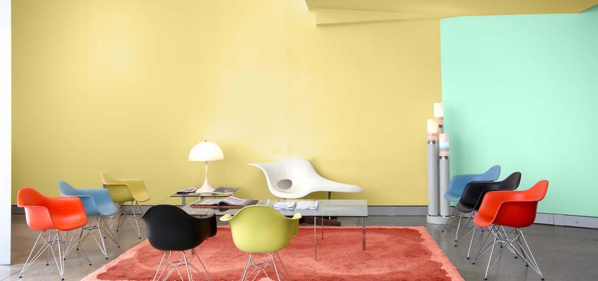 Vestibulo style contemporaneo color rojo, amarillo, azul cielo, blanco, gris  diseñado por Valentine | Marca colaboradora | Copyright Royalty Free