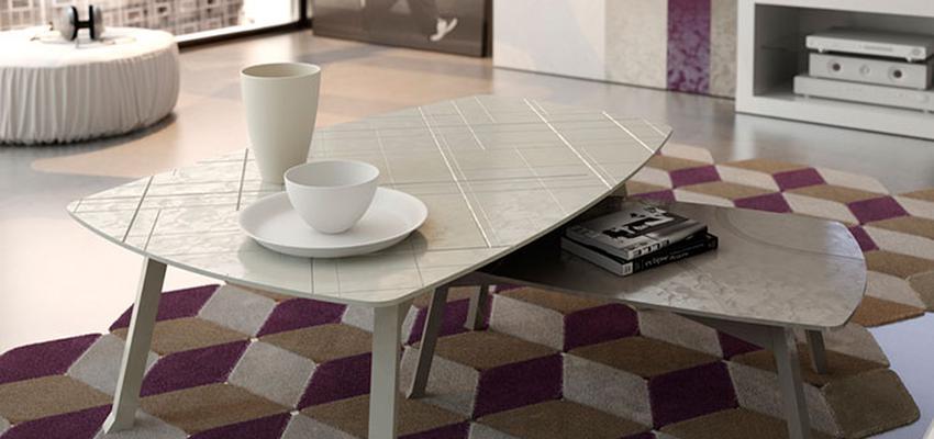 Salon style contemporaneo color violeta, beige, marron, blanco  diseñado por MUEBLES UTRILLA MOBILIARIO | Marca colaboradora | Copyright Utrilla Mobiliario