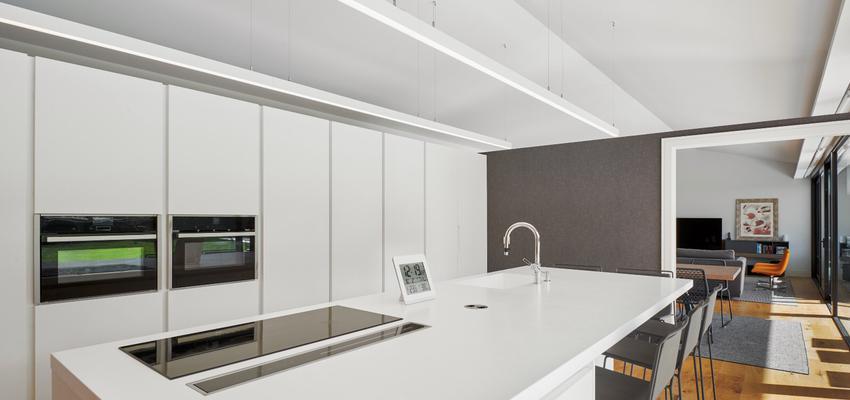 Comedor, Cocina Estilo contemporaneo Color marron, blanco, negro  diseñado por ap30reformas | Gremio | Copyright jarteche