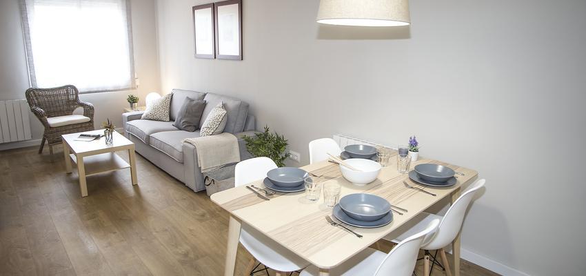 Comedor, Salon Estilo moderno Color beige, blanco, gris  diseñado por grupoinventia | Arquitecto Técnico | Copyright Grupo Inventia