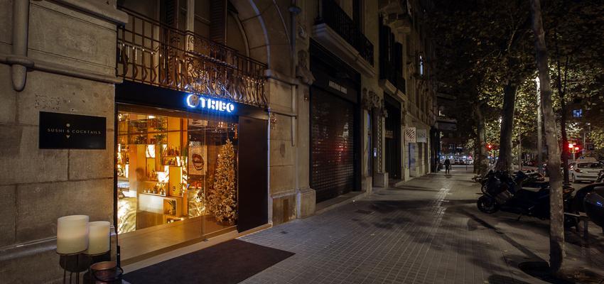 Exterior, Restaurante Estilo moderno Color azul, gris, negro  diseñado por MASQUEPINTURA FASAN, S.L | Gremio | Copyright mas que pintura