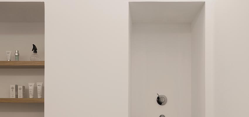 Salón de belleza Estilo contemporaneo Color beige, blanco, bronce  diseñado por PIANO PIANO STUDIO | Arquitecto | Copyright Milena Villalba