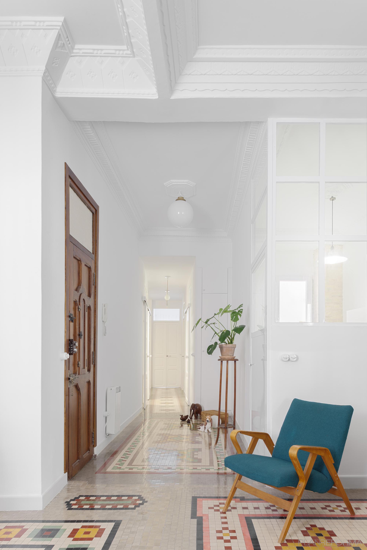 Comedor, Recibidor, Pasillo Estilo clasico Color rojo, verde, blanco  diseñado por PIANO PIANO STUDIO   Arquitecto   Copyright Milena Villalba