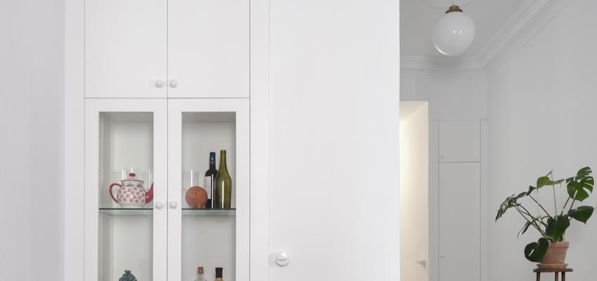 Comedor, Pasillo, Salon Estilo clasico Color rojo, verde, blanco  diseñado por PIANO PIANO STUDIO   Arquitecto   Copyright Milena Villalba
