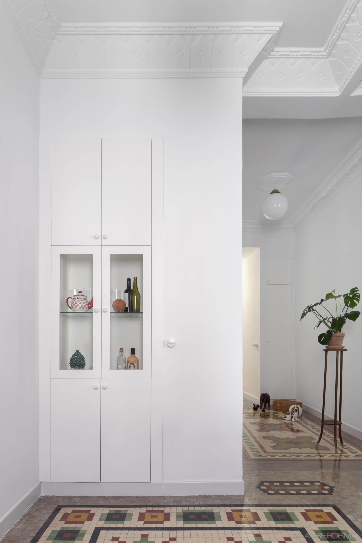 Comedor, Pasillo, Salon Estilo clasico Color rojo, verde, blanco  diseñado por PIANO PIANO STUDIO | Arquitecto | Copyright Milena Villalba