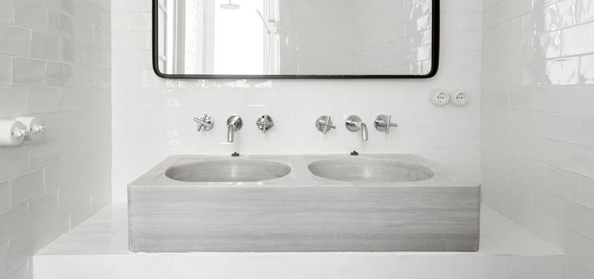 Baño Estilo clasico Color blanco, negro  diseñado por PIANO PIANO STUDIO | Arquitecto | Copyright Milena Villalba