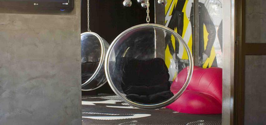 Hotel style moderno color marron, gris, negro  diseñado por tecnocemento | Marca colaboradora | Copyright Tecnocemento