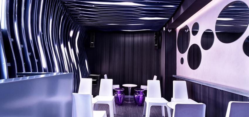 Cafeteria, Bar style vanguardista color violeta, blanco  diseñado por tecnocemento | Marca colaboradora | Copyright Tecnocemento
