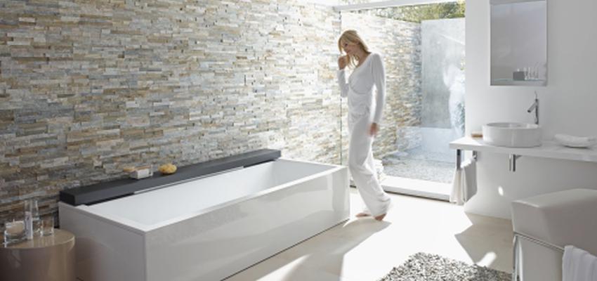 Baño style contemporaneo color marron, beige, marron, blanco  diseñado por DURAVIT | Marca colaboradora | Copyright Copyright Duravit AG