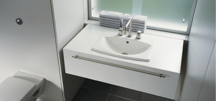 Baño style moderno color blanco, gris, gris  diseñado por DURAVIT   Marca colaboradora   Copyright Copyright Duravit AG