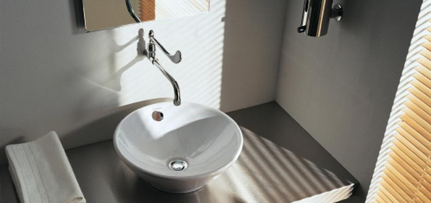 Baño style moderno color blanco, gris, plateado  diseñado por DURAVIT | Marca colaboradora | Copyright Copyright Duravit AG