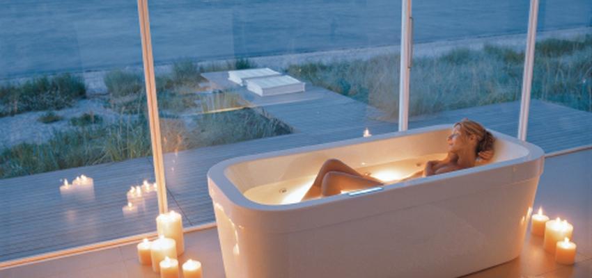 Baño style contemporaneo color blanco  diseñado por DURAVIT | Marca colaboradora | Copyright Copyright Duravit AG