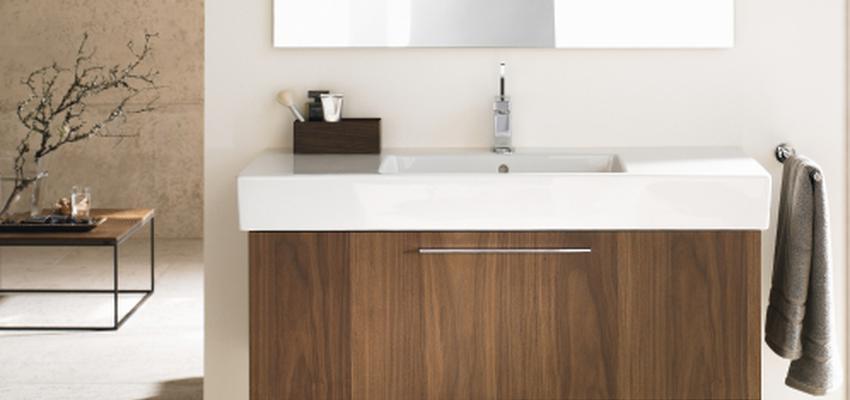 Baño style contemporaneo color marron, blanco  diseñado por DURAVIT | Marca colaboradora | Copyright Copyright Duravit AG