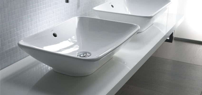 Baño style moderno color blanco, gris, gris  diseñado por DURAVIT | Marca colaboradora | Copyright Copyright Duravit AG