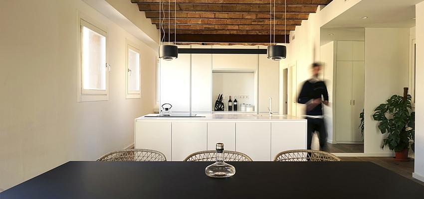 Comedor, Cocina Estilo moderno Color beige, marron, blanco  diseñado por mcd/studio | Arquitecto | Copyright si