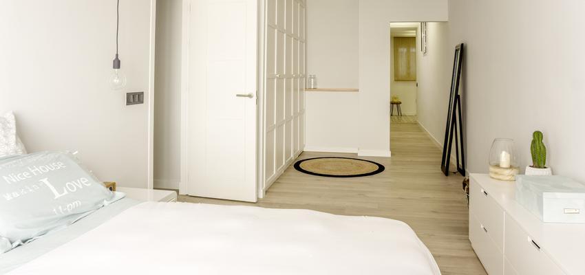 Dormitorio Estilo mediterraneo Color blanco  diseñado por emmme studio | Arquitecto | Copyright emmme studio