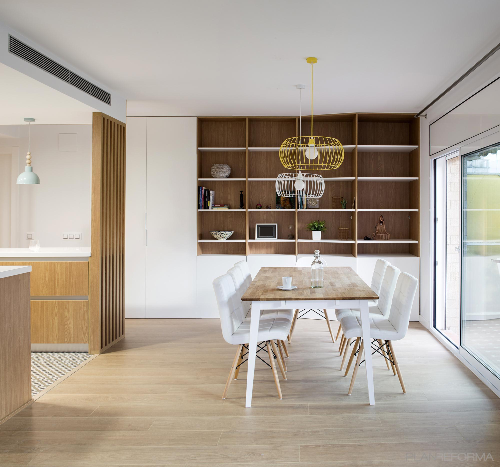 Comedor, Cocina, Salon Estilo moderno Color amarillo, verde, blanco  diseñado por Albert Brito. Arquitectura   Arquitecto   Copyright Flavio Coddou