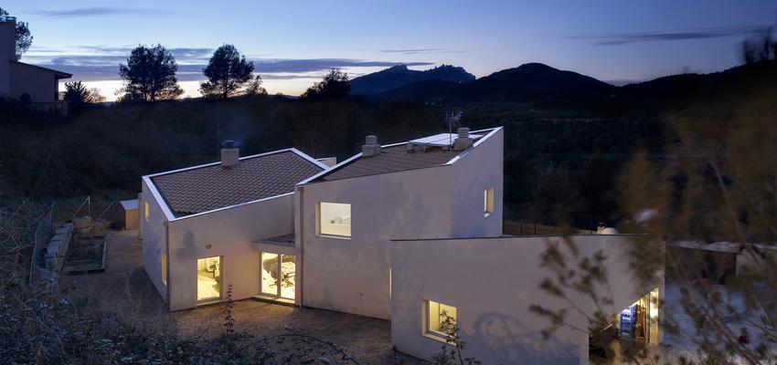 Exterior Estilo contemporaneo Color beige  diseñado por Albert Brito. Arquitectura | Arquitecto | Copyright ©Flavio Coddou