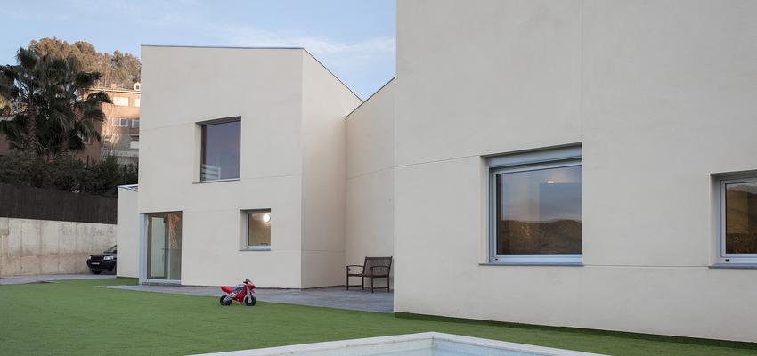 Piscina, Exterior Estilo contemporaneo Color beige  diseñado por Albert Brito. Arquitectura | Arquitecto | Copyright ©Flavio Coddou