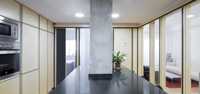 Cocina Estilo contemporaneo Color beige, blanco, negro  diseñado por Albert Brito. Arquitectura   Arquitecto   Copyright ©Flavio Coddou
