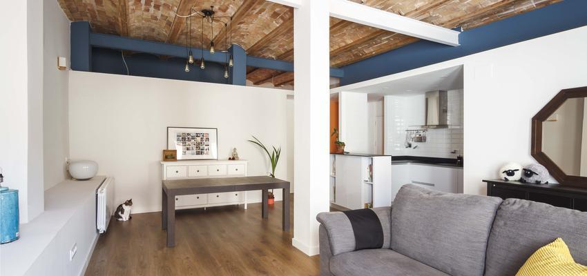 Salon Estilo contemporaneo Color ocre, azul oscuro, dorado  diseñado por ONYON huerto creativo | Arquitecto | Copyright ONYON huerto creativo