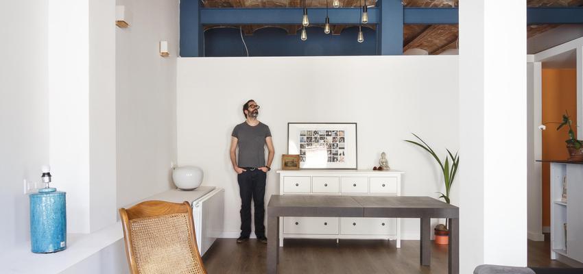 Loft Estilo contemporaneo Color ocre, azul, azul oscuro  diseñado por ONYON huerto creativo | Arquitecto | Copyright ONYON huerto creativo