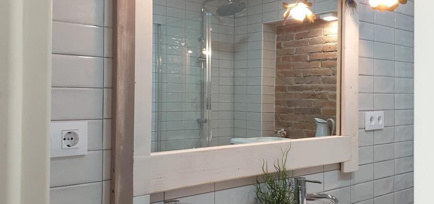 Baño Estilo contemporaneo Color blanco, gris, gris  diseñado por ARKHE reformas SL | Gremio | Copyright ARKHE reformas