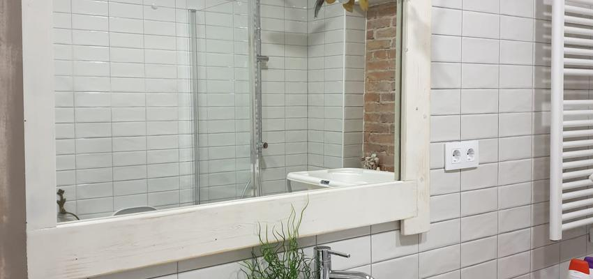 Baño Estilo contemporaneo Color marron, blanco, gris  diseñado por ARKHE reformas SL   Gremio   Copyright ARKHE reformas