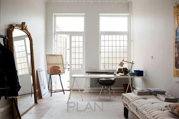 Estudio Estilo vintage Color marron, blanco, negro  diseñado por F&F | Interiorista