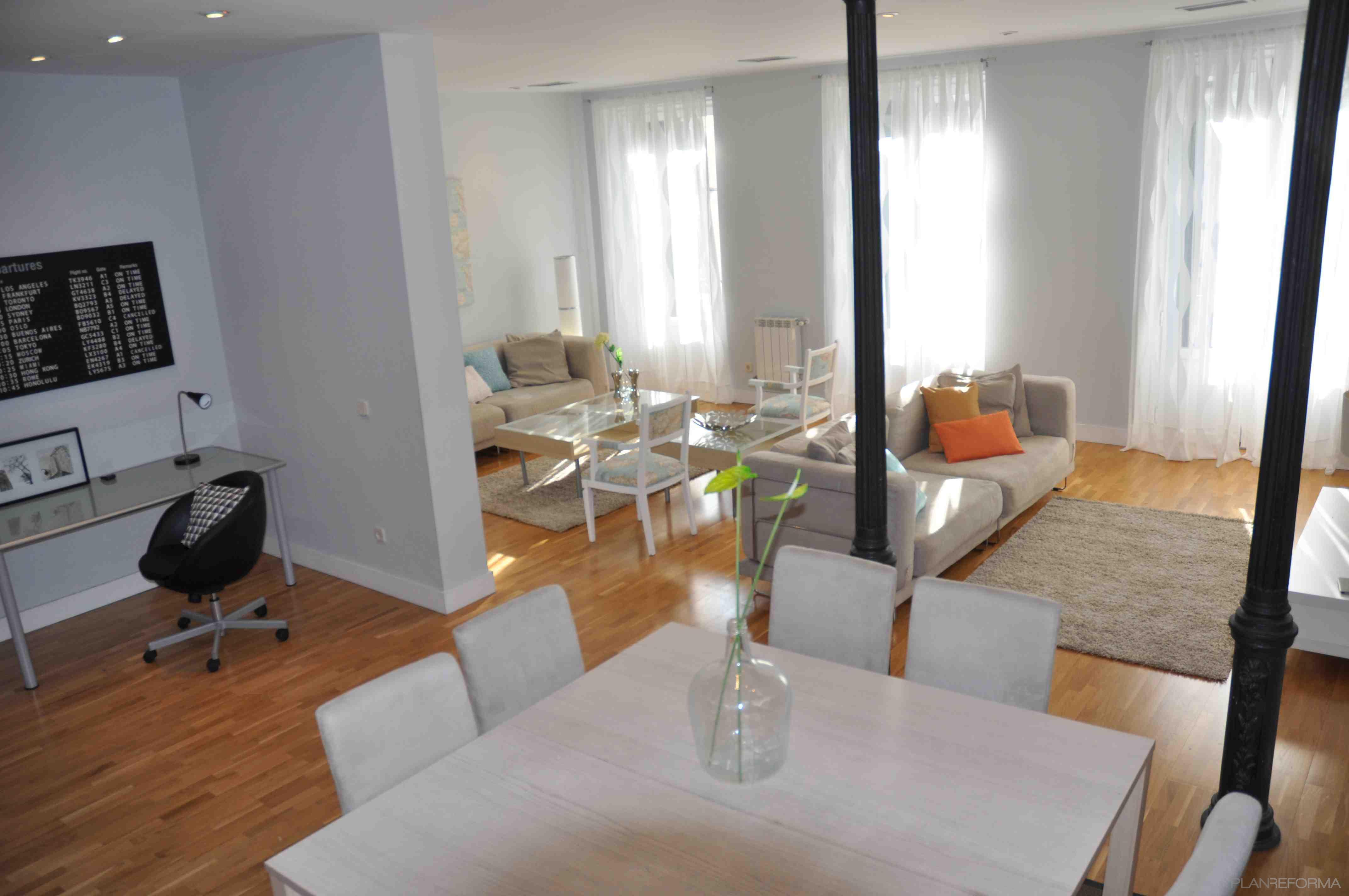 Comedor sala de la tv salon style contemporaneo color for Comedor contemporaneo