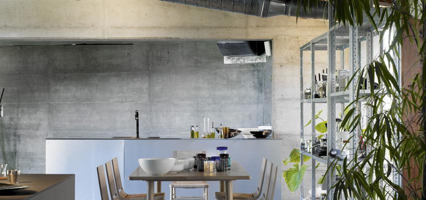 Restaurante, Cafeteria style contemporaneo color beige, gris, negro, bronce  diseñado por ALKI | Marca colaboradora