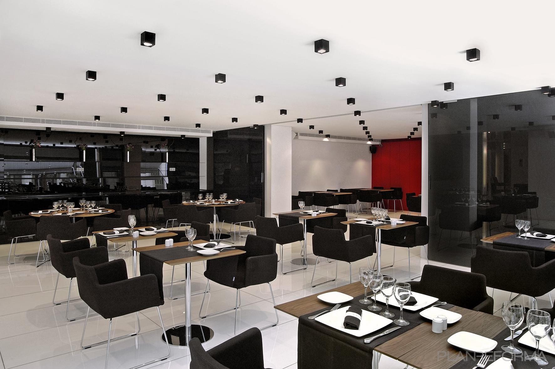 Comedor Salon Restaurante Style Moderno Color Rojo Gris