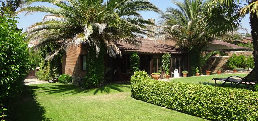 Jardin Estilo mediterraneo Color verde  diseñado por Arquigestiona | Arquitecto Técnico