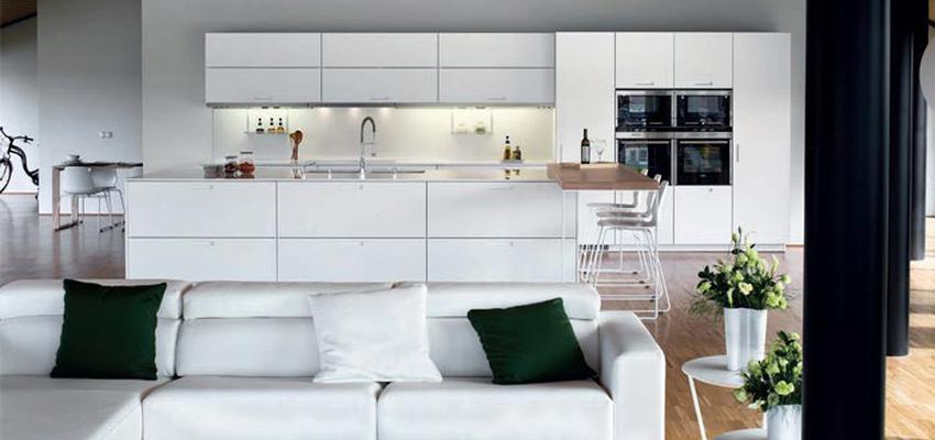 Comedor, Cocina Estilo contemporaneo Color marron, blanco, negro  diseñado por COCINAS SANTOS | Marca colaboradora | Copyright Cocinas SANTOS 2014