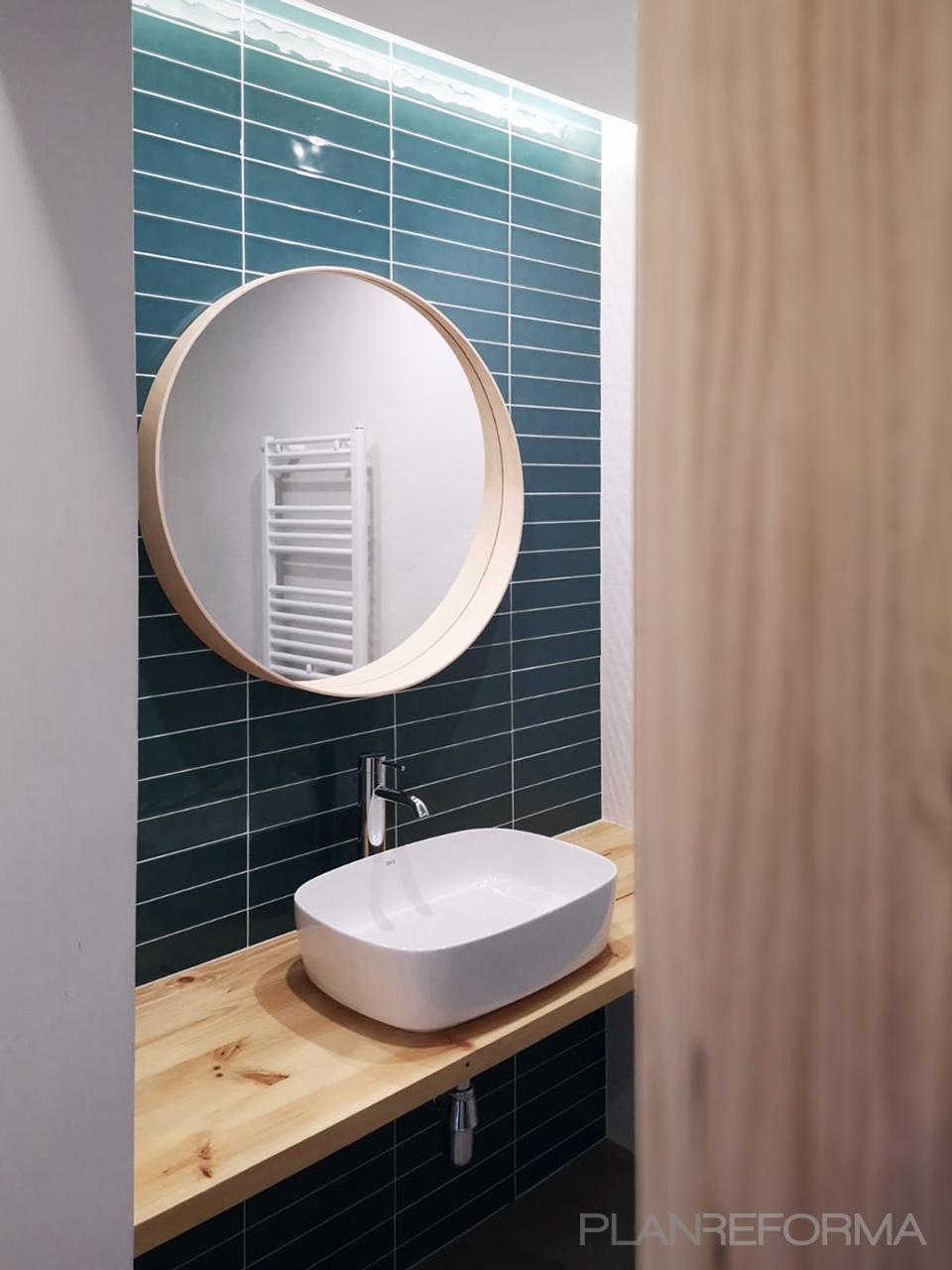 Baño Estilo mediterraneo Color blanco  diseñado por Oficina Urbana   Arquitecto   Copyright Renato Pucci