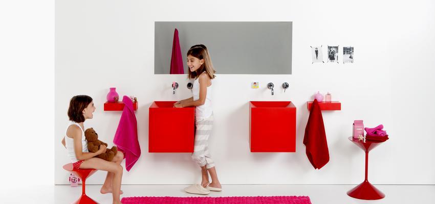 Baño style contemporaneo color rojo, blanco  diseñado por Boing | Marca colaboradora