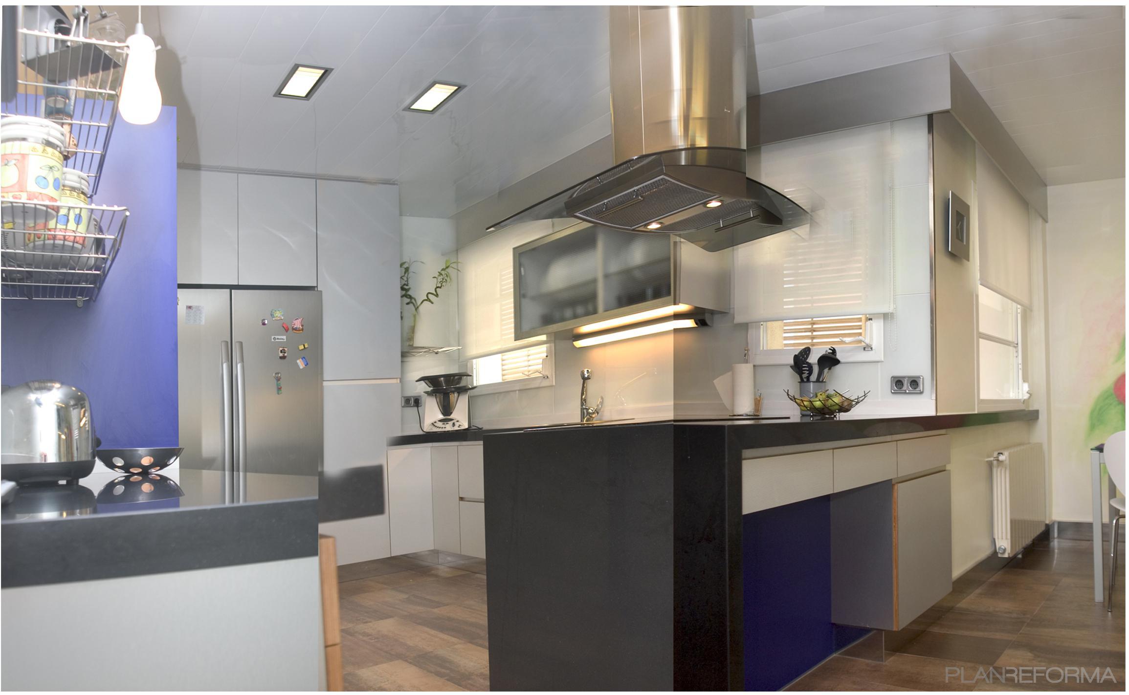 Cocina, Cafeteria Estilo contemporaneo Color azul oscuro, blanco, gris