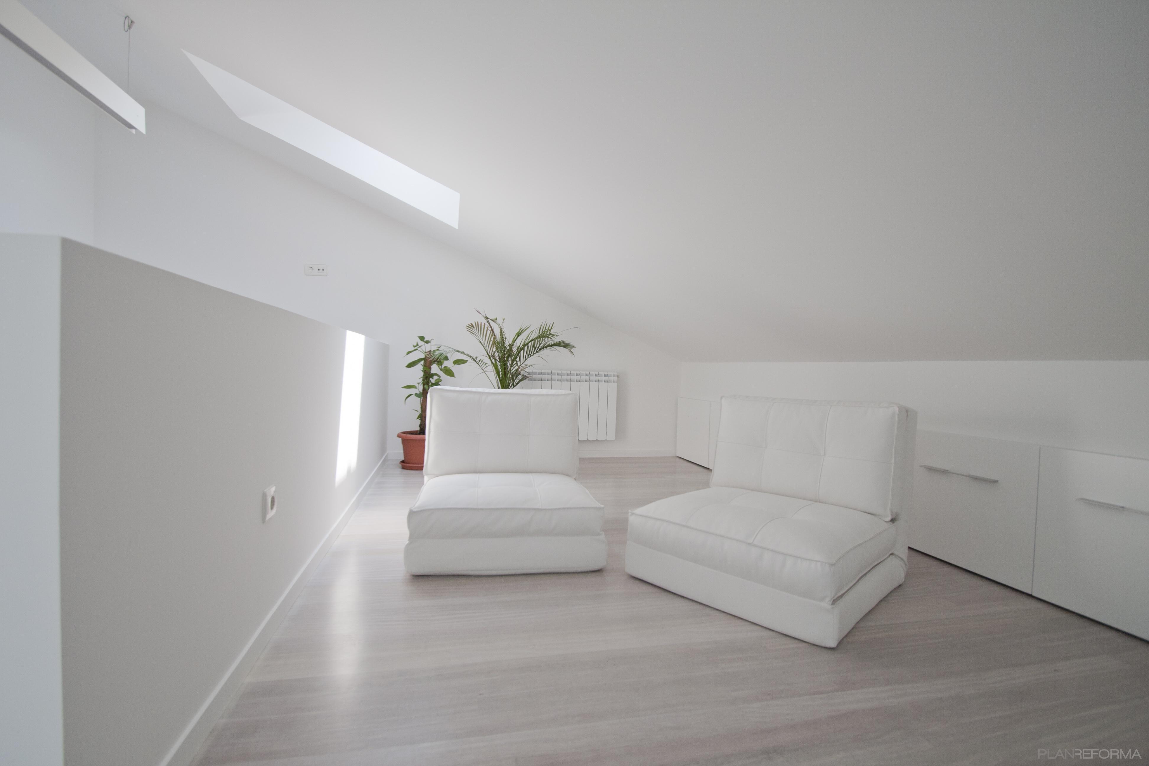 Estudio salon loft estilo moderno color blanco gris - Salon moderno blanco ...