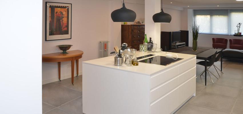 Loft Estilo moderno Color blanco, gris  diseñado por Mirmen Arquitectura - Interiorismo - Reformas   Gremio   Copyright Propiedad