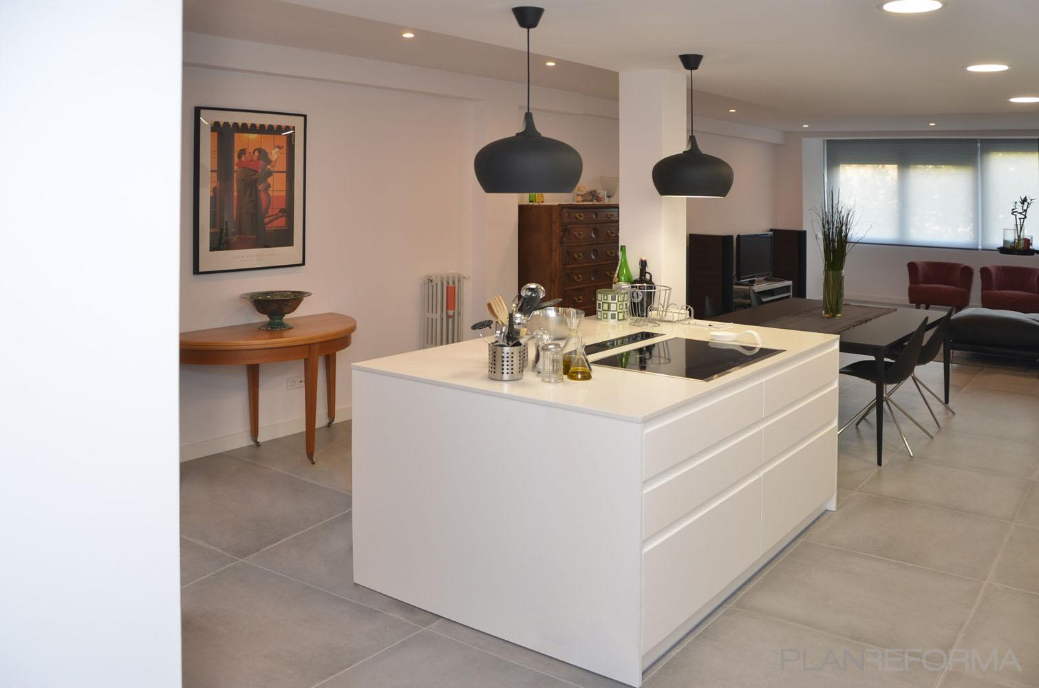 Loft Estilo moderno Color blanco, gris  diseñado por Mirmen Arquitectura - Interiorismo - Reformas | Gremio | Copyright Propiedad