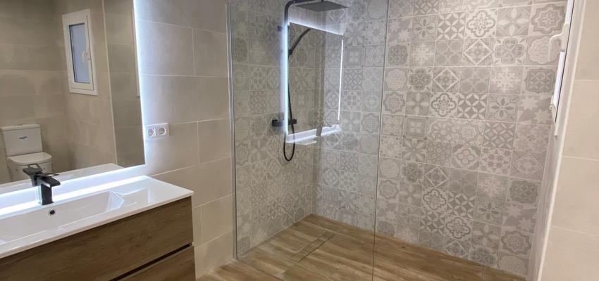 Baño Estilo vintage Color marron, gris  diseñado por C2EO 2012,S.L. | Gremio | Copyright C2EO 2012 SL