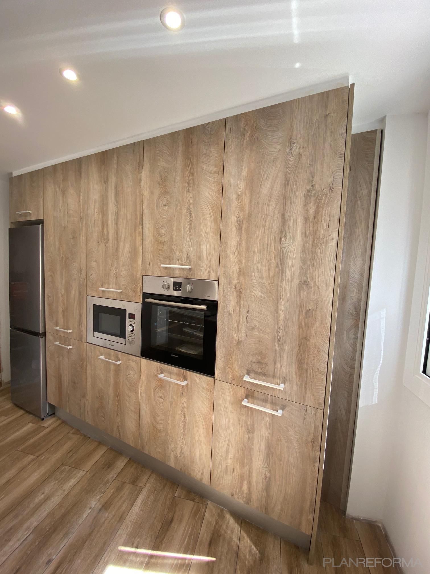 Cocina Estilo contemporaneo Color marron  diseñado por C2EO 2012,S.L.   Gremio   Copyright C2EO 2012 SL