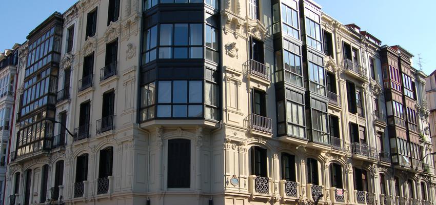 Exterior style clasico color beige, gris  diseñado por BR&C arquitectos | Arquitecto