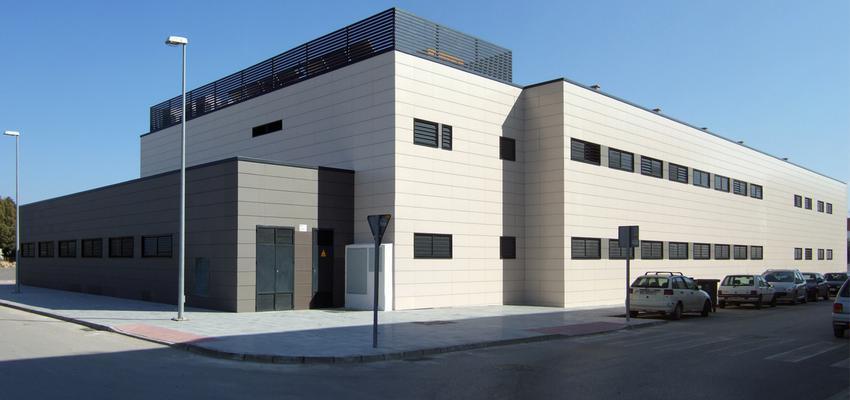 Exterior Estilo contemporaneo Color verde  diseñado por ACTIVE Arquitectos   Arquitecto   Copyright ACTIVE Arquitectos