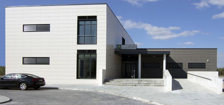 Recibidor, Vestibulo, Exterior Estilo contemporaneo Color verde  diseñado por ACTIVE Arquitectos   Arquitecto   Copyright ACTIVE Arquitectos