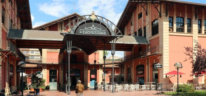 Tienda, Restaurante, Cafeteria Estilo contemporaneo Color verde  diseñado por ACTIVE Arquitectos | Arquitecto | Copyright ACTIVE Arquitectos