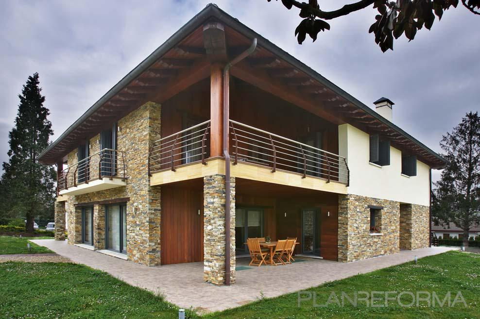 Terraza, Patio, Exterior style rustico color beige, marron  diseñado por Ricardo Vea sanchez   Interiorista