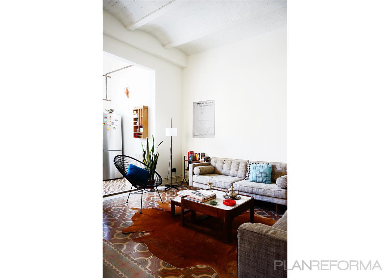 Comedor Estilo moderno Color marron, marron, blanco, gris, negro  diseñado por mcd/studio   Arquitecto   Copyright soy propietario de la imagen