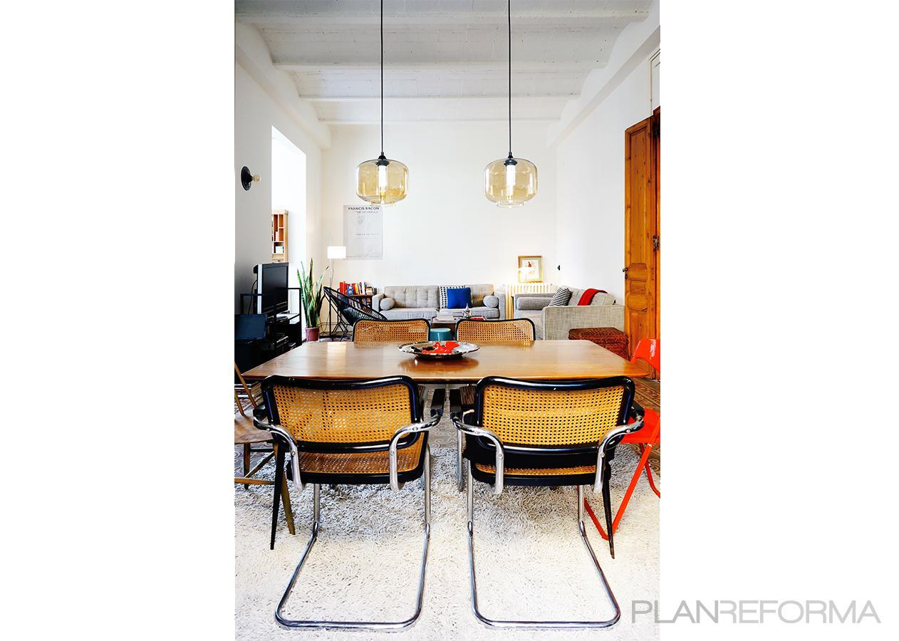 Comedor Estilo moderno Color beige, marron, beige, blanco, negro  diseñado por mcd/studio   Arquitecto   Copyright Soy el propietario